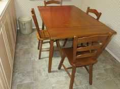 VILAS MAPLE TABLE AND 5 CHAIRS