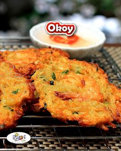 Ukoy or Okoy Recipe is a delicious dish that is very popular in the Philippines, it is an easy to cook and flavorful Filipino appetizer. via fish recipe filipino food Pinoy Food Filipino Dishes, Filipino Appetizers, Easy Filipino Recipes, Filipino Street Food, Japanese Street Food, Thai Street Food, Shrimp Recipes, Fish Recipes, Food Shrimp