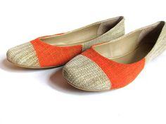 DIY Shoes Refashion: DIY Painted Ballet Flat Knock Offs