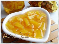 Pineapple Jam (from our home flavors) - Dessert Bread Recipes Fun Desserts, Delicious Desserts, Dessert Recipes, Yummy Food, Tasty, Vegetarian Breakfast Recipes Easy, Pineapple Jam, Food Porn, Dessert Bread