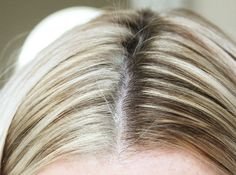 (b) Rootflage Light Blonde Temporary Root Touch Up (Platinum Blonde) Lighten Your Roots without Damaging Your Hair!