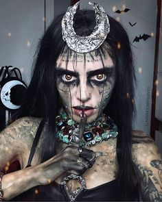 """✨🌙 """"Moonlight drowns out all but the brightest stars. Black Girl Halloween Costume, Girl Halloween Makeup, Halloween Eyes, Halloween Looks, Edgy Makeup, Scary Makeup, Wigs With Bangs, Synthetic Lace Front Wigs, Makeup Inspiration"""