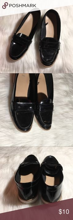 ac1a81094f0b5a Gap patent slip on loafers size 8.5 wide