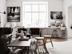 Black and White Living Room Inspiration Home Living Room, Living Room Decor, Living Spaces, White Floorboards, Black And White Living Room, Black White, White Wood, Grey Wood, Sweet Home