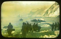 El pasado no está muerto ni enterrado. De hecho, ni siquiera es pasado. William Faulkner. Requiem para una mujer. 1951 Foto: Salida del bote salvavidas James Caird de la Isla Elefante: Expedición Shackleton. 1916