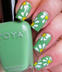 Spring daisy nail art - remember...it's springtime down under!!!