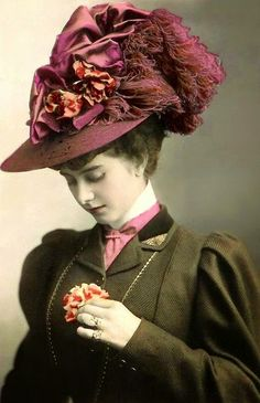 Victorian hats were bigger, more layered and elaborate, flowery, and of course their favorite new colour mauve. Victorian Hats, Victorian Women, Divas, Vintage Outfits, Vintage Fashion, 1930s Fashion, Victorian Fashion, Bijoux Art Nouveau, Streetwear
