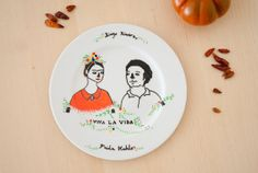 Frida&Diego  Plato decorativo pintado a mano por Noloseshop en Etsy, €12.00
