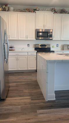Kitchen Pantry Design, Diy Kitchen Island, Kitchen Redo, Modern Kitchen Design, Home Decor Kitchen, Interior Design Kitchen, Home Kitchens, Kitchen Cabinets And Flooring, Marble Floor Kitchen