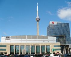 Our Air Canada Centre Arena Guide below provides all of the information you need to know when visiting this beautiful arena in Toronto, Ontario! Air Canada Centre, Cities In Germany, Germany Travel, Food Canada, Nba Arenas, Holidays Germany, Luxembourg Gardens, Visit Morocco, Visit Canada