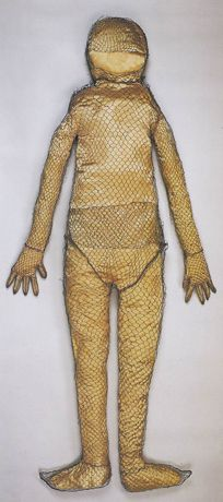 Burial suit Liao dynasty, 1018 or earlier From the tomb of the Princess of Chen and Xiao Shaoju Research Institute of Cultural Relics and Archaeology of Inner Mongolia.