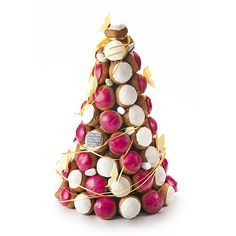 Pièce montée de choux - Vincent Guerlais Profiteroles, Eclairs, Buttercream Decorating, Cookie Decorating, Croquembouche Recipe, Macaroons Wedding, French Wedding Cakes, Food Sculpture, Naked Cake