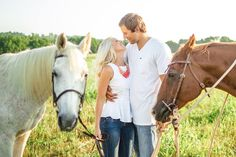Are farms your thing? Or do you own horses? Why not include them in your engagement photos #animals #pets #wedding