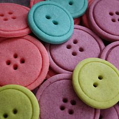 Button Sugar Cookies {you could make the colors match your wedding colors! Teal & lavender}