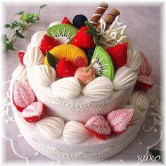 Amazing felt cake
