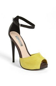 Topshop Peep Toe Sandal - Want to save 50% - 90% on women's fashion? Visit http://www.ilovesavingcash.com.