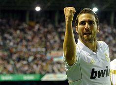 Gonzalo Higuaín. Athletic Club 0 - 3 Real Madrid C.F., 2 May 2012.