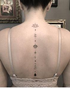 Tattoo Back Of Neck Unalome - Tattoo Tattoos For Girls, Girl Spine Tattoos, Back Tattoo Women Spine, Faith Tattoo On Wrist, Spine Tattoos For Women, Back Tattoos, Mini Tattoos, Leg Tattoos, Body Art Tattoos