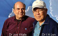 Foto del Dr. Joe Vitale e del Dr. Ihaleakalá Hew Len