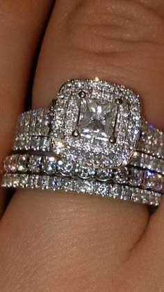 Vera Wand Diamond Rings