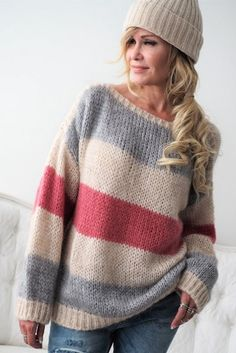 40 Women's Sweaters To Inspire Yourself outfit fashion casualoutfit fashiontrends Knit Fashion, Sweater Fashion, Leggings Fashion, Fashion Fashion, Spring Fashion, Modest Fashion, Fashion Outfits, Casual Fashion Trends, Fashion Styles