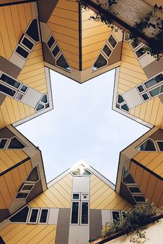 Netherlands / Places to visit in Rotterdam: the Cube Houses (Kubushuis). These houses are tilted 45 degrees Rotterdam Architecture, Wonderful Places, Beautiful Places, Amsterdam, Kingdom Of The Netherlands, Rotterdam Netherlands, Best Travel Guides, Unusual Homes, Toscana