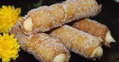 canutillos, dulces tradicionales, canutillos rellenos de crema pastelera, recetas de canutillos, crema pastelera, dulces fritos, dulces de sarten Mexican Food Recipes, Snack Recipes, Dessert Recipes, Cooking Recipes, Beignets, No Bake Desserts, Delicious Desserts, Macarons, Tapas