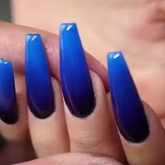 The blue nail design should be tempting for many girls to resist. This ultra-fashionable manicure color combination is suitable for any clothing and season. Nail Art Designs, Classy Nail Designs, Colorful Nail Designs, Blue Ombre Nails, Blue Acrylic Nails, Marble Nails, Pink Nail Colors, Manicure Colors, Short Nails Art