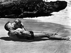 Burt Lancaster et Deborah Kerr dans Tant qu'il y aura des hommes