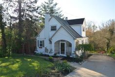 130 Kennedy Road | 4 Bedrooms | 2 Full Baths  Adorable Cape Cod with Beautifully Renovated Interior!
