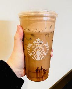 Starbucks Secret Menu, Starbucks Drinks, Starbucks Coffee, Starbucks Recipes, Coffee Drinks, Chocolate Dreams, Chocolate Lovers, Chocolate Art, Choclate Mousse