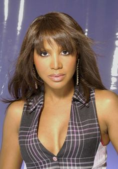 See Toni Braxton pictures, photo shoots, and listen online to the latest music. Foreign Celebrities, Black Celebrities, New Jack Swing, Tamar Braxton, Rhythm And Blues, Amy Winehouse, People Magazine, Celebrity Babies, Flawless Skin