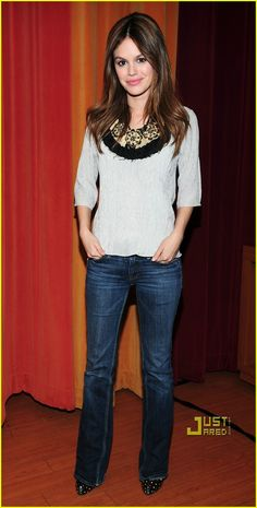 Rachel Bilson - cute outfit but her arms look freakishly small.