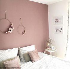 26 dusty pink bedroom walls you will love it 10 – Home Dekor Dusty Pink Bedroom, Pink Bedroom Walls, Pink Bedroom Decor, Bedroom Wall Colors, Bedroom Color Schemes, Pink Room, Rose Bedroom, Pink Walls, Ikea Bedroom