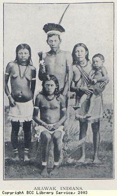 Lucayan (Arawak) fueron los nativos quienes encontraron Christopher Columbus en 1492 cuando primero llegaron en las Américas. Los españoles los describió como gente pacífica, primitivo.