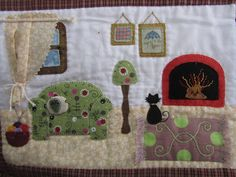 Sofa/doll house on a quilt Dollhouse Quilt, Applique Wall Hanging, Quilt As You Go, House Quilts, Penny Rugs, Busy Book, Applique Quilts, Paper Dolls, Quilt Patterns