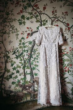 Vintage-inspired lace wedding dress: Photography : Bianco Photography - http://www.biancophotography.com/   Read More on SMP: http://www.stylemepretty.com/destination-weddings/2016/01/07/romantic-english-garden-wedding-with-a-dream-naeem-khan-wedding-dress/