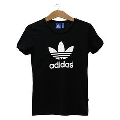 Adidas Outfit, Adidas Shirt, Camiseta Adidas Trefoil, Summer Outfits, Cute Outfits, Teenage Girl Outfits, Fresh Shoes, Printed Shirts, Street Wear