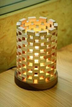 47 Amazing Diy Wooden Lamps Design Ideas With Modern Pieces Diy Wood Projects, Wood Crafts, Woodworking Projects, Woodworking Plans, Table Lamp Wood, Wood Lamps, Bamboo Lamp, Wooden Cubes, Wooden Diy