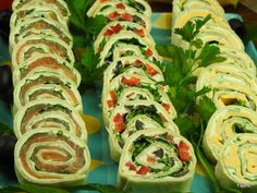 Party Snacks, Appetizers For Party, Appetizer Recipes, Tortilla Rolls, Quick Snacks, Appetisers, Tortellini, Enchiladas, Sushi