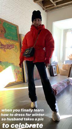 Emily Ratajkowski Winter Dresses, Winter Outfits, Emily Ratajkowski Street Style, Minimalist Wardrobe, Autumn Winter Fashion, Winter Style, Fall Winter, Celebrity Style, Bomber Jacket