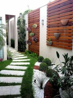 Small Backyard Ideas - Also if your backyard is small it likewise can be very comfy and also welcoming. Having a small backyard does not mean your backyard landscaping . Modern Backyard, Backyard Patio, Backyard Landscaping, Landscaping Ideas, Patio Ideas, Walkway Ideas, Backyard Designs, Vertical Gardens, Small Gardens