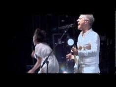 How David Byrne and Brian Eno Make Music Together: A Short Documentary | Open Culture