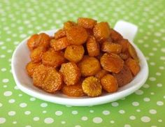Roast Carrot Coins Ingredients 4 medium carrots, peeled and cut into coins, about 2 cups 1/4 teaspoon paprika 1 tablespoon olive oil 1/4 teaspoon kosher salt
