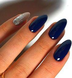 46 Elegant Navy Blue Nails Art Designs and Ideas 46 Elegante dunkelblaue Nägel Kunst Designs und Ideen Blue And Silver Nails, Dark Blue Nails, Navy Nails, Blue Glitter Nails, Silver Glitter, Nail Art Blue, Dark Gel Nails, Dark Color Nails, Acrylic Nails Natural