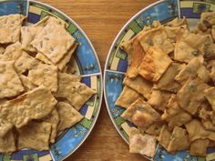 Slané krekry v dvoch variáciách – slnečnicové a tekvicové Other Recipes, Crackers, Yummy Food, Yummy Recipes, Dairy, Cheese, Basket, Pretzels, Tasty Food Recipes