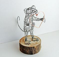 These wire sculptures from Ruth Jensen  are perfect to have some life in your home! :)