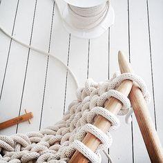Jacqui-Fink-Little-Dandelion-Large-Knit-Blanket-