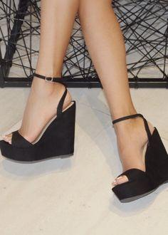 Black Chunky Heels, Black Wedge Shoes, Black Prom Shoes, Wedge High Heels, Black Wedges Outfit, Black Formal Shoes, Cute Black Heels, Black Heals, Black Platform Wedges
