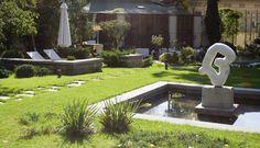 Minimal Garden Landscaping Lawn garden landscaping with stones flower beds. Landscape Architecture, Landscape Design, Monuments, Hydrangea Garden, Ornamental Grasses, Bucharest, Lawn And Garden, Pathways, Vegetable Garden